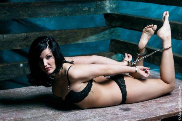 video-seks-na-basseyne